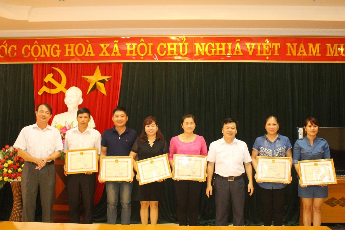 Hướng dẫn đề xuất khen thưởng trong triển khai thi hành Luật XLVPHC