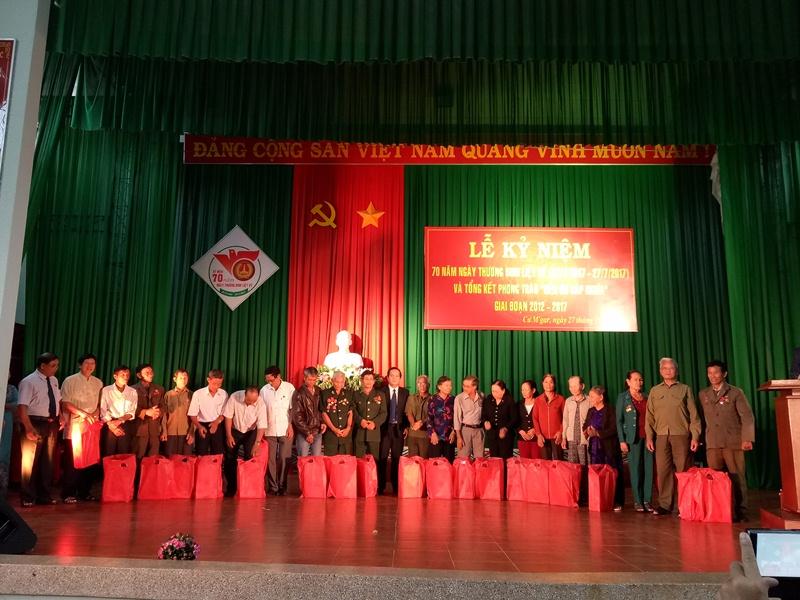 Huyện Cư M'gar kỷ niệm 70 năm Ngày Thương binh - Liệt sỹ 27/7, tổng kết phong trào đền ơn đáp nghĩa giai đoạn 2012 - 2017