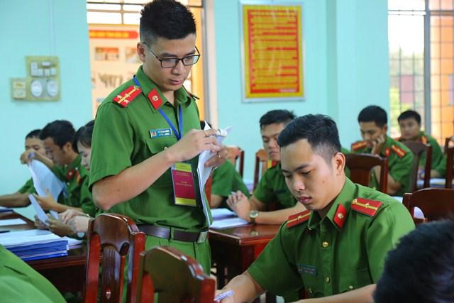 Cảnh sát PC&CC tỉnh Đắk Lắk tổ chức kiểm tra nghiệp vụ cán bộ kiểm tra năm 2017