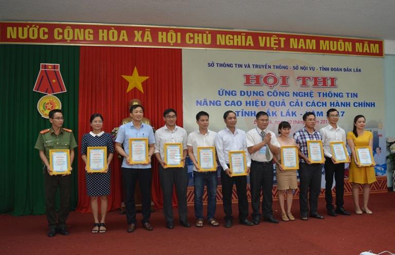 Thành phố Buôn Ma Thuột giành giải Nhất toàn đoàn Hội thi ứng dụng công nghệ thông tin nâng cao hiệu quả cải cách hành chính tỉnh Đắk Lắk năm 2017.