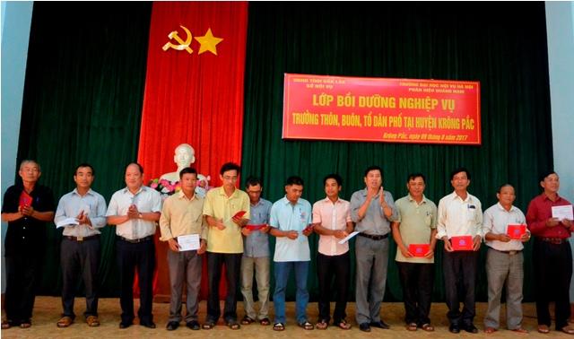 Bồi dưỡng nghiệp vụ trưởng thôn tại tỉnh Đắk Lắk