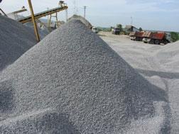 Khai thác chế biến đá tại khu III, mỏ D2 của Công ty Cổ phần Kim Thịnh.