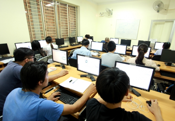 Giao nhiệm vụ tổ chức thi, cấp chứng chỉ ứng dụng công nghệ thông tin cơ bản