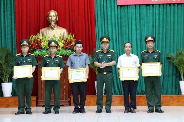 Hội nghị tổng kết thực hiện Luật Dân quân tự vệ năm 2009
