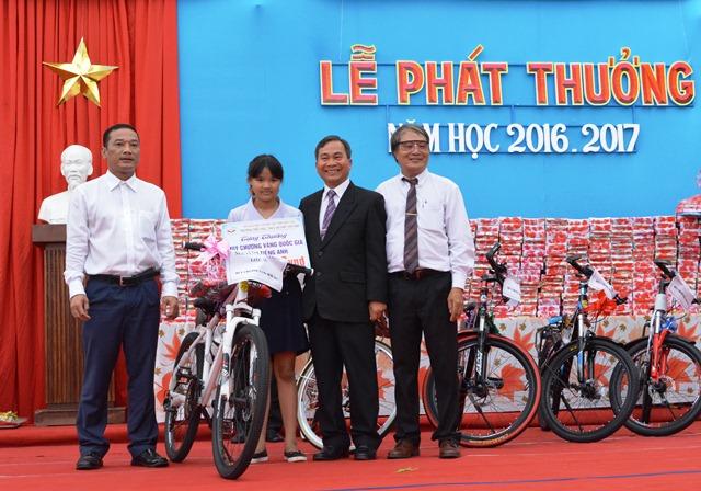 """Trường Tiểu học dân lập Nguyễn Bỉnh Khiêm: Điểm sáng trong công tác thi đua """"Dạy tốt, học tốt"""""""