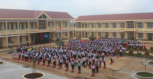 Không khí khai giảng năm học mới 2017-2018 trên địa bàn huyện Cư M'gar