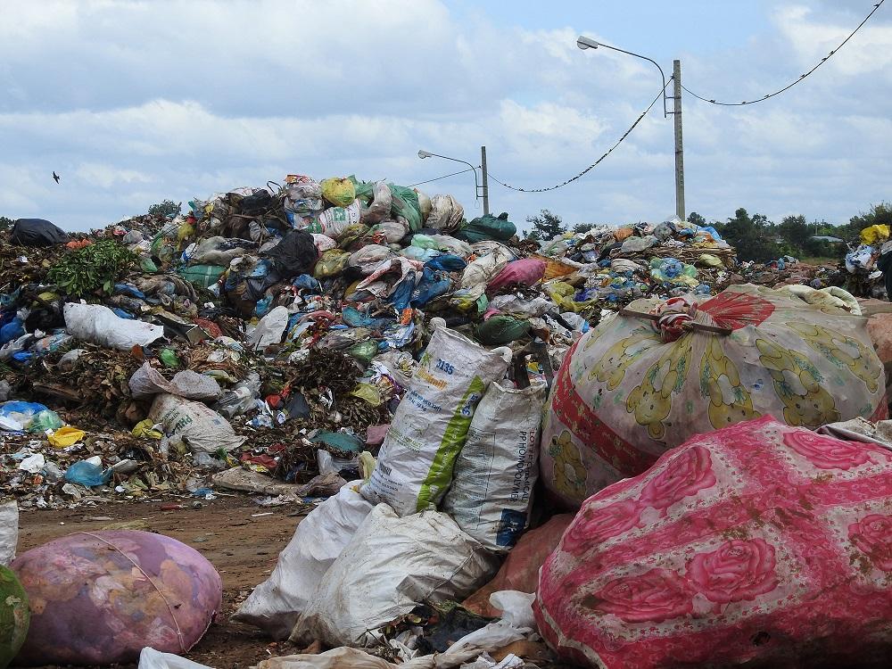 Lắp đặt dây chuyền phân loại rác sinh hoạt tại bãi rác Cư Êbur, thành phố Buôn Ma thuột