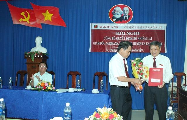 Agribank Chi nhánh huyện Ea Kar, Đắk Lắk tổ chức Hội nghị công bố quyết định của Tổng Giám đốc.