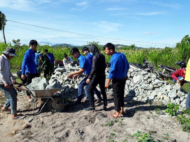 Huyện Đoàn Ea Kar khởi công xây dựng Nhà nhân ái cho hộ nghèo