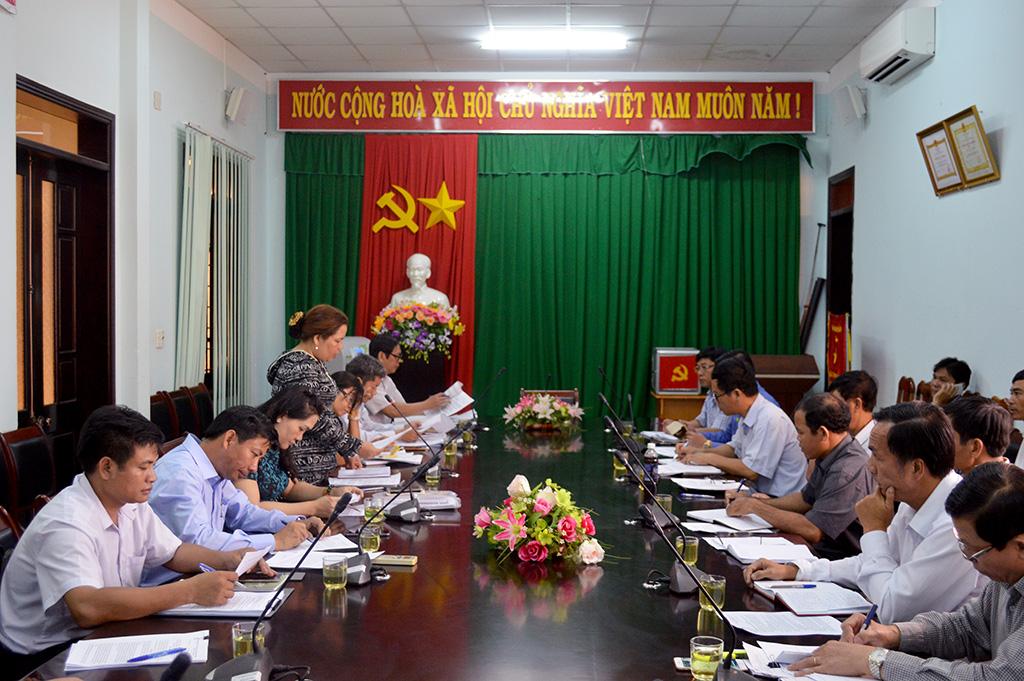 HĐND tỉnh giám sát tình hình thực hiện Chương trình 755 trên địa bàn huyện Ea Kar