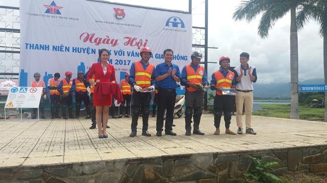 Huyện Lắk tổ chức Ngày hội Thanh niên huyện Lắk với văn hóa giao thông năm 2017