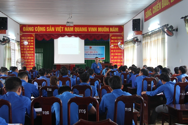Hội nghị tập huấn công tác tuyên truyền giáo dục năm 2017