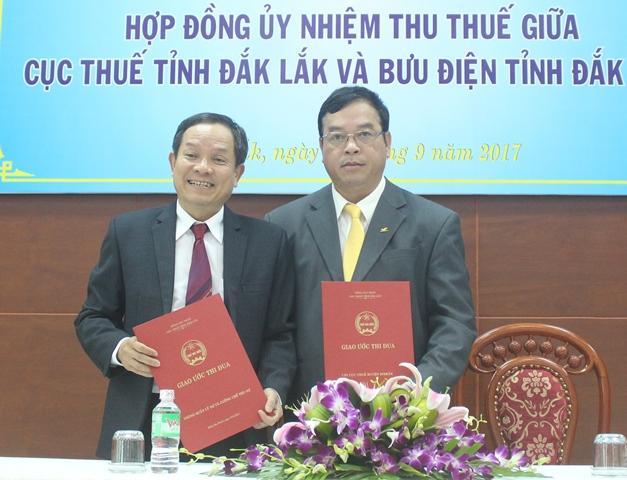 Cục Thuế tỉnh và Bưu điện tỉnh ký kết hợp đồng ủy nhiệm thu thuế