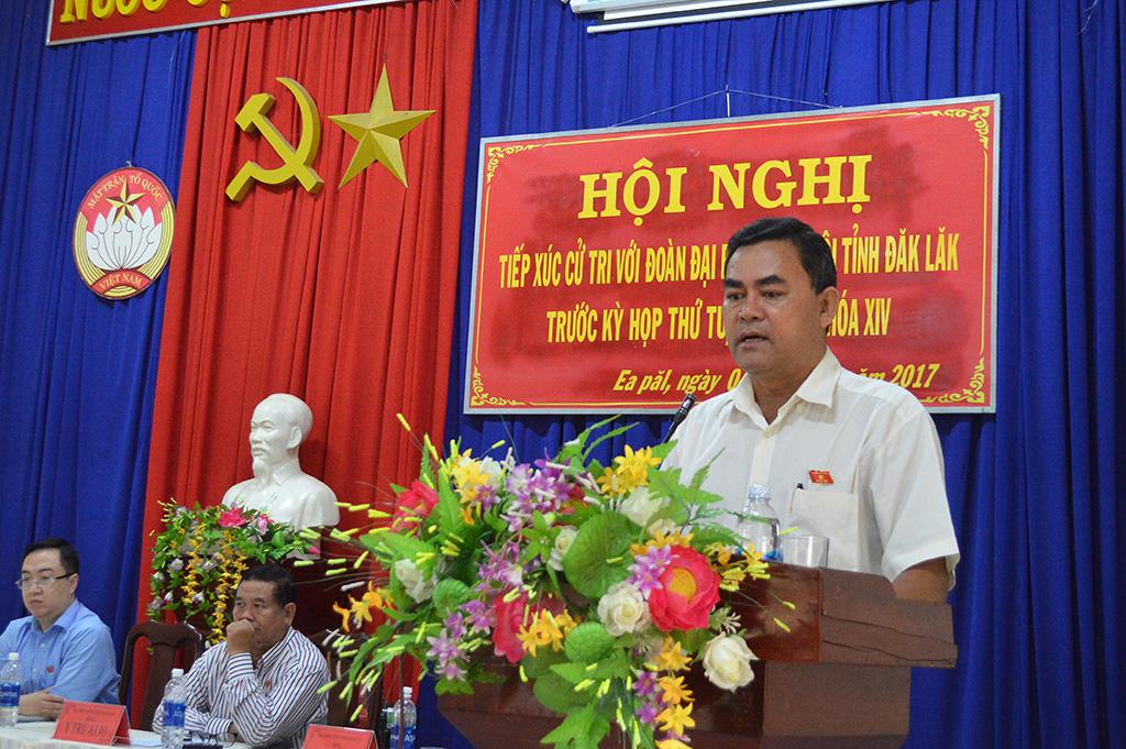 Hội nghị tiếp xúc cử tri tại xã Ea Păl, huyện Ea Kar