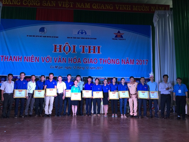 """Sôi nổi Hội thi """"Thanh niên với văn hóa giao thông"""" huyện Cư M'gar năm 2017"""