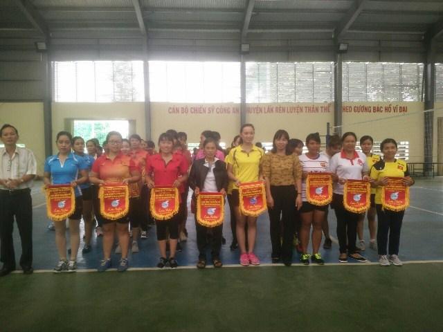 Huyện Lắk sôi nổi giải bóng chuyền nữ năm 2017
