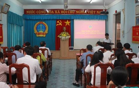 TAND tỉnh Đắk Lắk tổ chức Tập huấn công tác văn phòng cho Tòa án nhân dân cấp huyện năm 2017