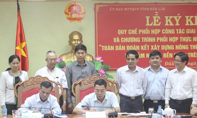 Ký kết quy chế phối hợp công tác giữa UBND tỉnh và Ủy ban Mặt trận Tổ quốc Việt Nam tỉnh giai đoạn 2017-2021.