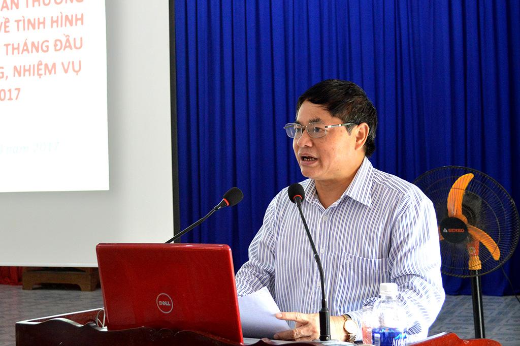 Thường trực Tỉnh ủy làm việc với Huyện ủy M'Đrắk