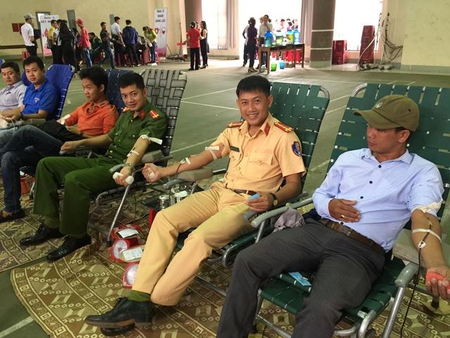 Huyện Cư M'gar có trên 650 tình nguyện viên tham gia hiến máu tình nguyện đợt II Năm 2017