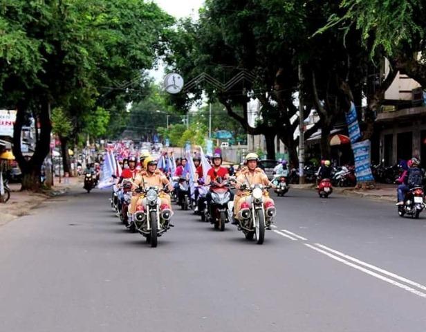 Trung cấp Luật Buôn Ma Thuột tổ chức chuỗi hoạt động hưởng ứng Ngày Pháp luật nước Cộng hòa xã hội chủ ngĩa Việt Nam năm 2017