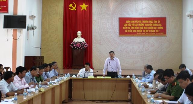 Thường trực Tỉnh ủy làm việc tại huyện Krông Ana.