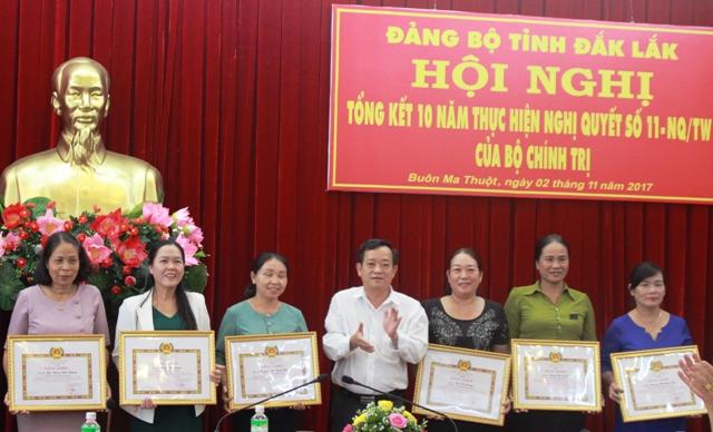 Tổng kết 10 năm thực hiện Nghị quyết số 11-NQ/TW của Bộ Chính trị