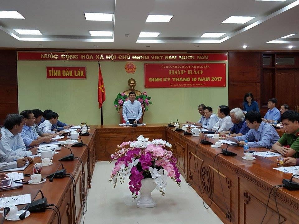 UBND tỉnh Họp báo định kỳ tháng 10 năm 2017