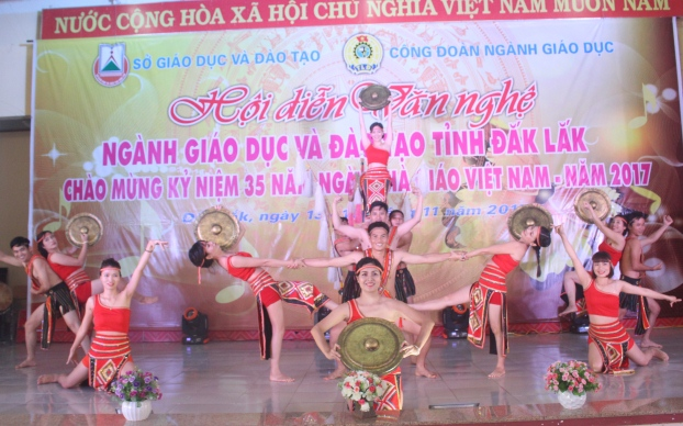 Khai mạc Hội diễn văn nghệ ngành Giáo dục và Đào tạo tỉnh Đắk Lắk lần thứ 30 - năm 2017