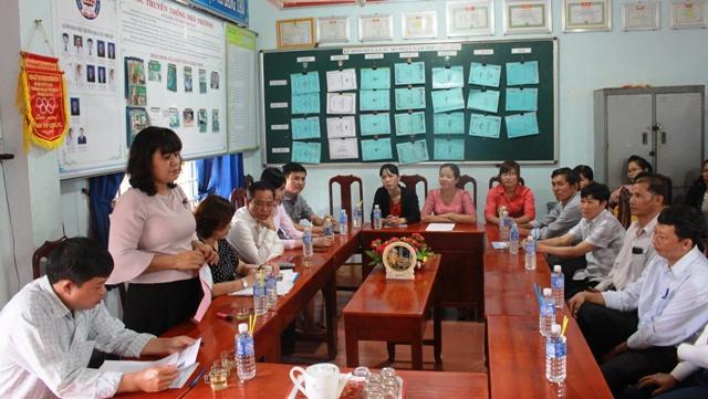 Lãnh đạo tỉnh thăm, chúc mừng các trường học tại huyện Krông Bông
