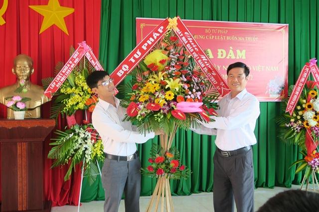 Trường Trung cấp Luật Buôn Ma Thuột tổ chức tọa đàm kỷ niệm 35 năm Ngày Nhà giáo Việt Nam 20/11