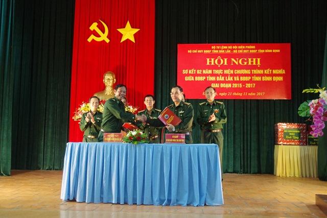 Bộ đội Biên phòng Đắk Lắk – Bình Định: Sơ kết 2 năm thực hiện chương trình kết nghĩa.