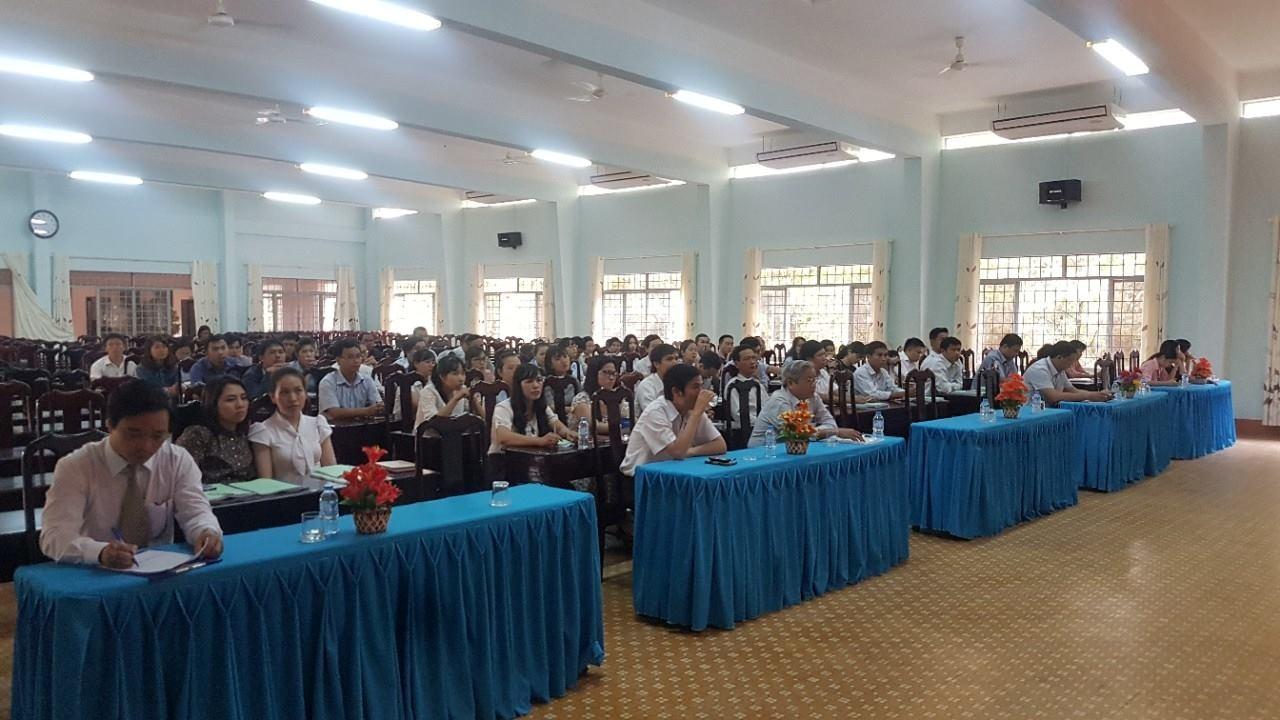 Khai giảng lớp bồi dưỡng kiến thức quản lý nhà nước ngạch chuyên viên