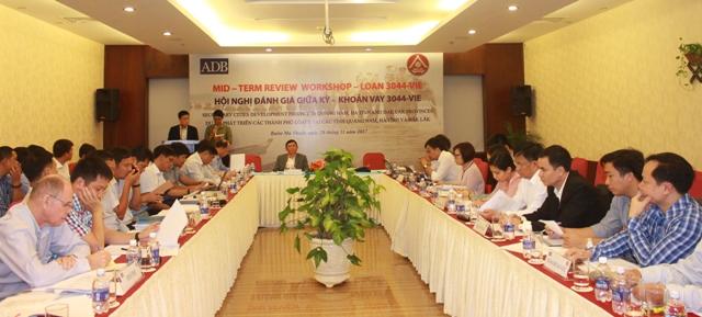 Hội nghị đánh giá giữa kỳ khoản vay Dự án phát triển thành phố loại II tại Quảng Nam, Hà Tĩnh và Đắk Lắk
