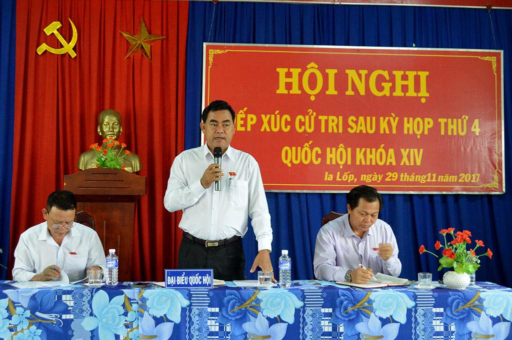 Đoàn đại biểu Quốc hội tỉnh tiếp xúc cử tri tại xã Ia Lốp