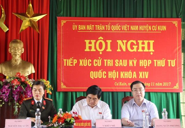 Đoàn Đại biểu Quốc hội tỉnh tiếp xúc cử tri tại huyện Cư Kuin