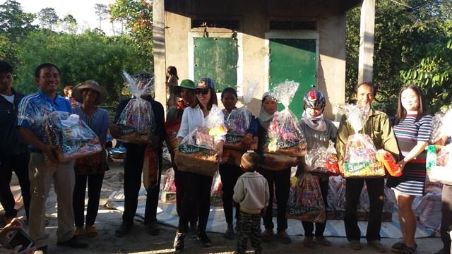 Tặng 210 suất quà tại huyện Lắk