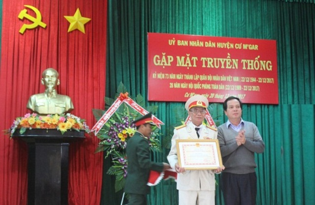 Gặp mặt truyền thống Kỷ niệm 73 năm Ngày thành lập Quân đội nhân dân Việt Nam