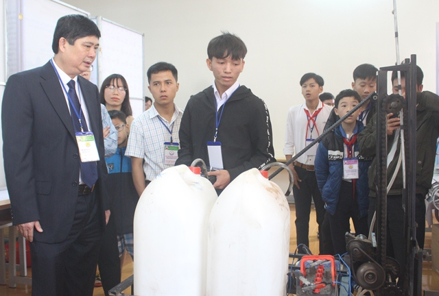 129 sản phẩm, dự án tham dự Cuộc thi khoa học, kỹ thuật cấp tỉnh dành cho học sinh trung học năm học 2017-2018