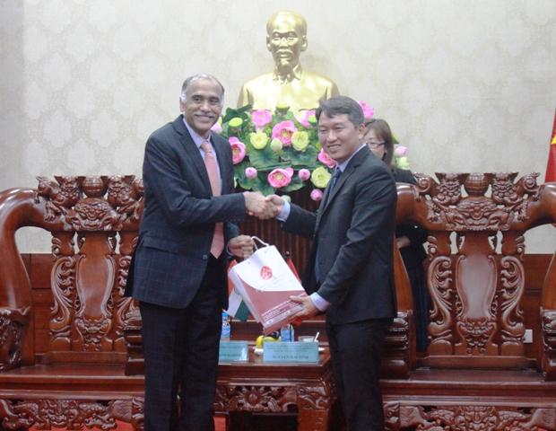 Lãnh đạo tỉnh tiếp và làm việc với Đại sứ đặc mệnh toàn quyền Cộng hòa Ấn Độ tại Việt Nam