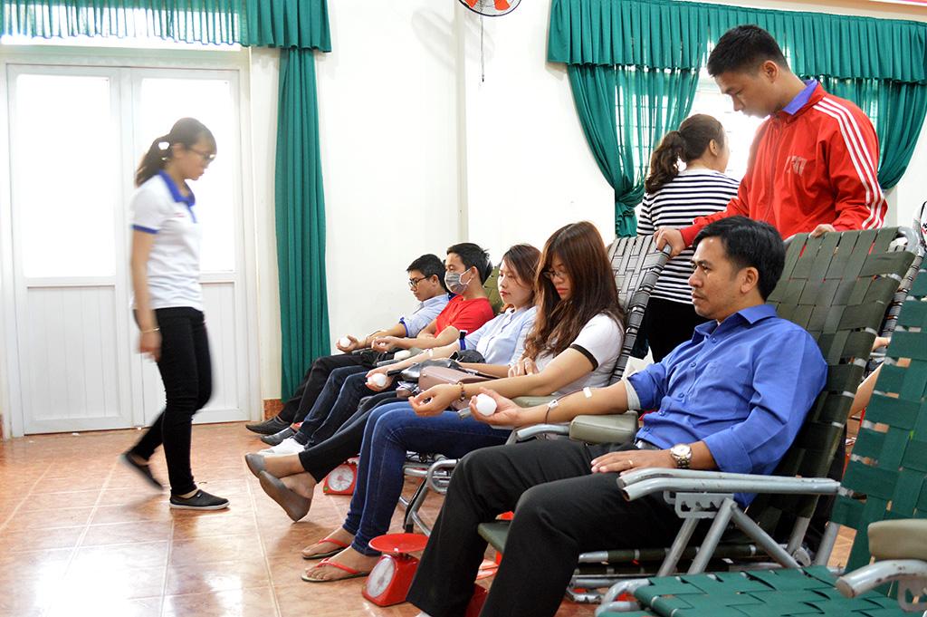 """Hơn 500 tình nguyện viên tham gia """"Ngày hội hiến máu tình nguyện 2018"""""""
