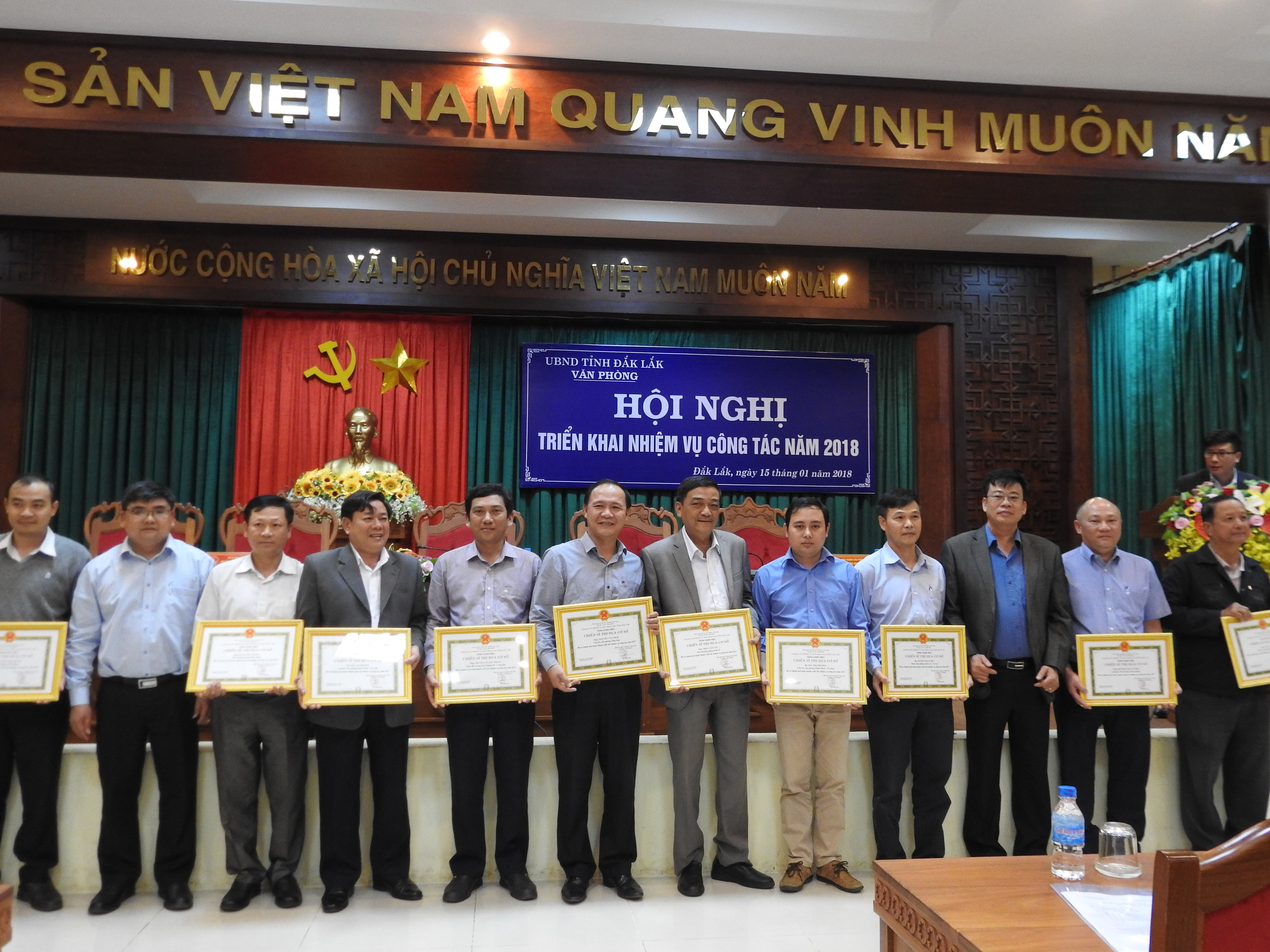 Văn phòng Ủy ban nhân dân tỉnh tổ chức Hội nghị triển khai nhiệm vụ công tác năm 2018