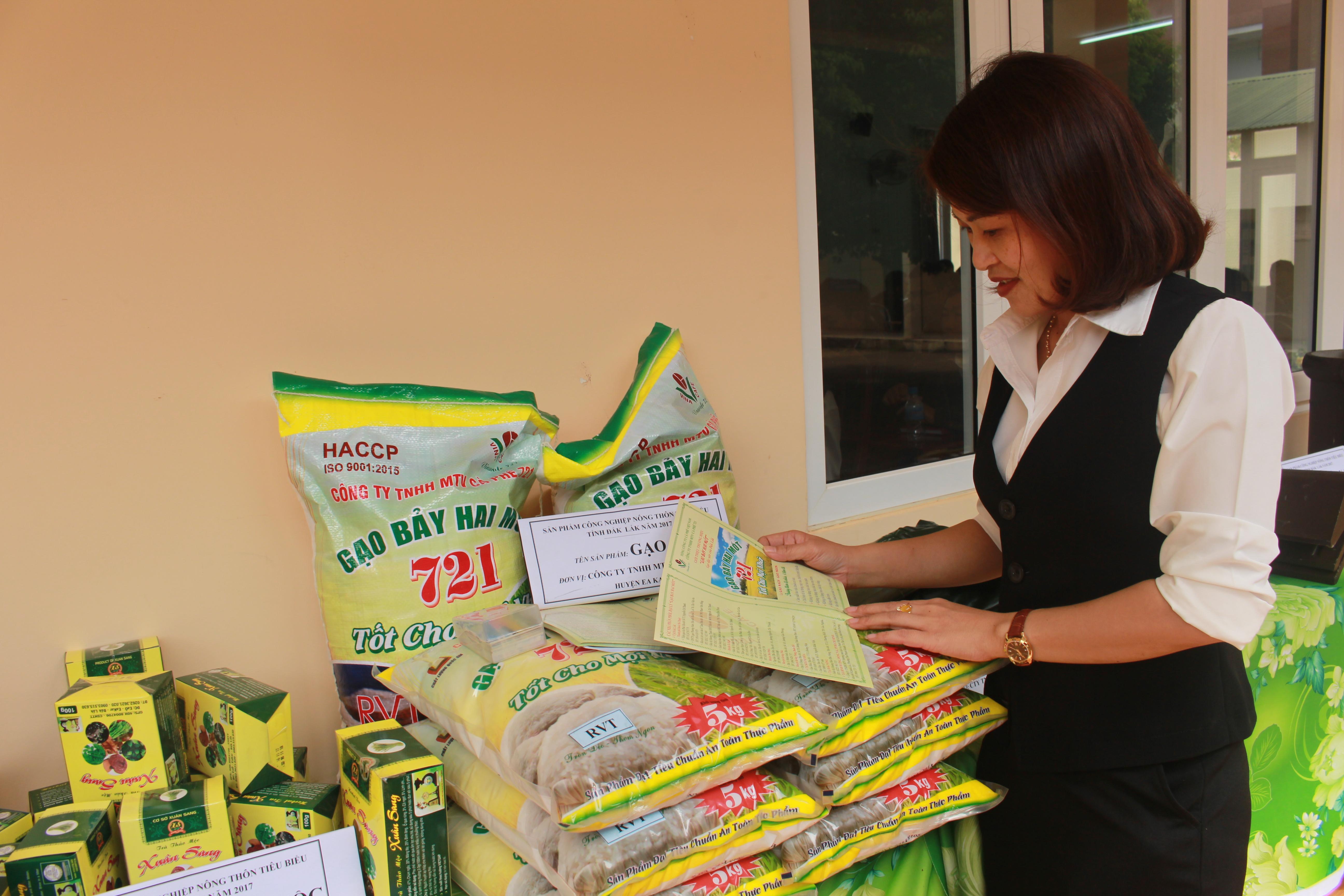 Công nhận 08 sản phẩm công nghiệp nông thôn tiêu biểu tỉnh Đắk Lắk năm 2017