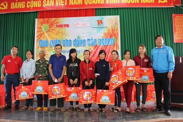 """Chương trình """"Quà xuân cho đồng bào nghèo"""" tại xã Ea Rbin và xã Nam Ka, huyện Lắk"""