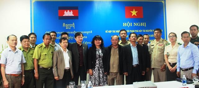 Đắk Lắk và Mondulkiri hợp tác ngăn chặn tội phạm phá hủy tài nguyên thiên nhiên khu vực biên giới
