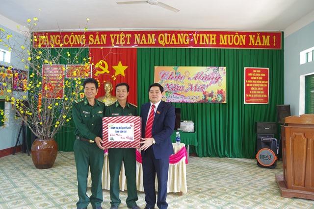Đoàn đại biểu Quốc hội tỉnh Đắk Lắk thăm và chúc Tết các Đồn Biên phòng