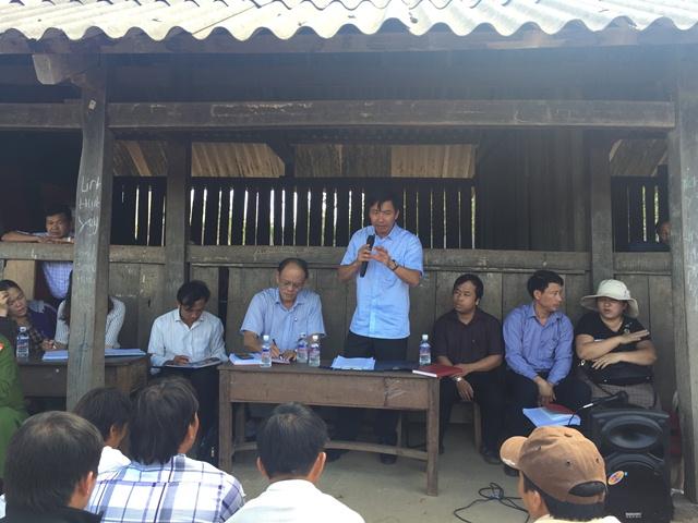 Đồng chí Nguyễn Thượng Hải – Tỉnh ủy viên, Bí thư Huyện ủy đối thoại trực tiếp với nhân dân buôn H'Mông