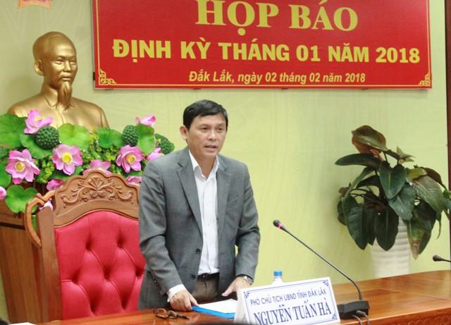 UBND tỉnh họp báo định kỳ tháng 1/2018