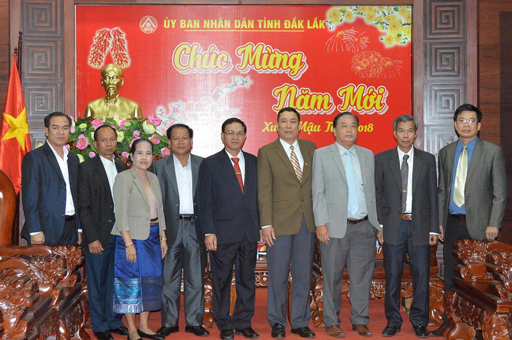 Lãnh đạo tỉnh Attapeu thăm và chúc tết tại Đắk Lắk