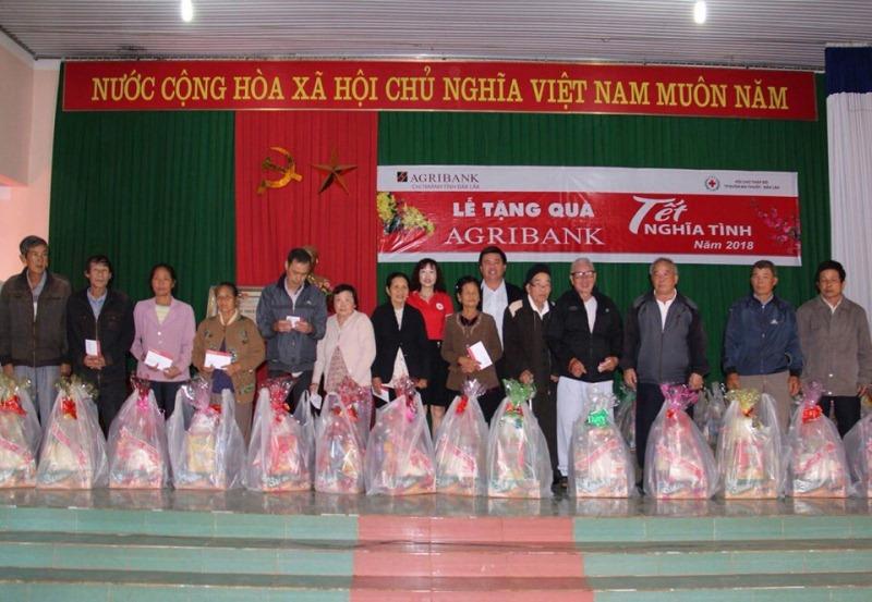 """Agribank chi nhánh tỉnh Đắk Lắk: Hơn 600 triệu đồng tham gia """"Tết vì người nghèo và nạn nhân chất độc da cam"""" Xuân Mậu Tuất 2018."""